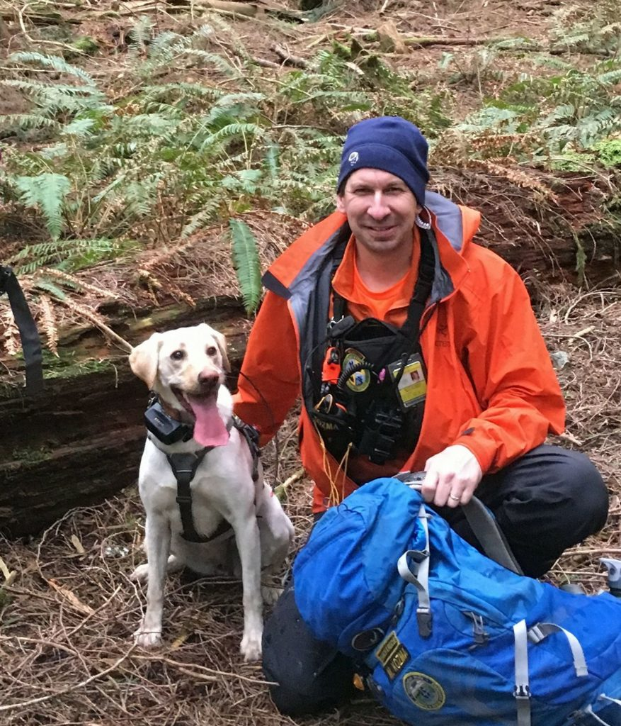 CCVSAR K9 and human rescuers